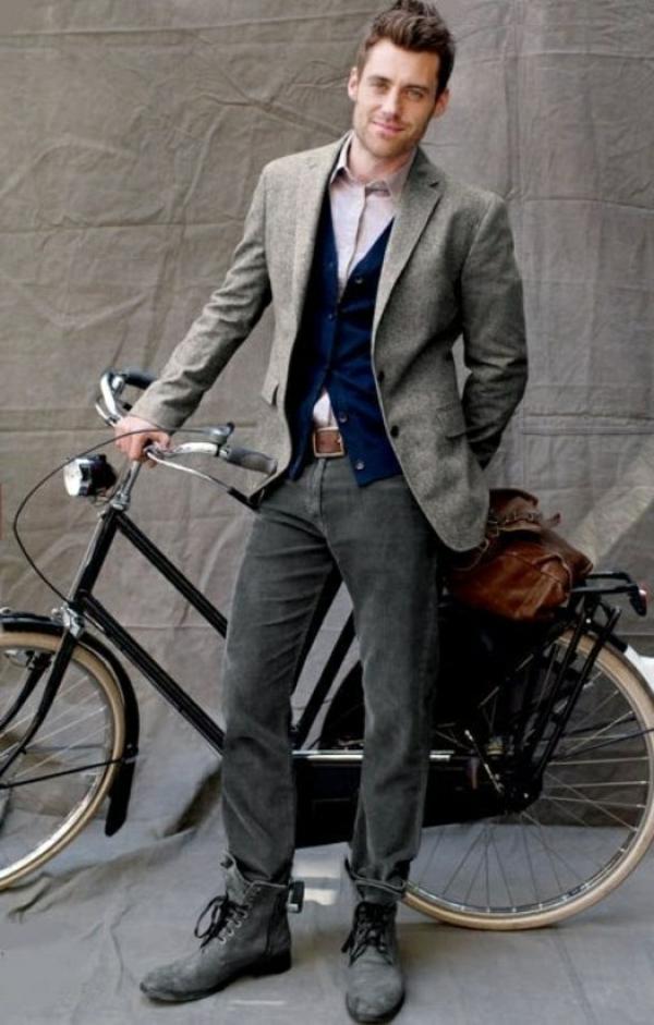 La-joie-du-bicyclette-tenue-de-jour-sur-le-velo-elegance-et-classe-resized
