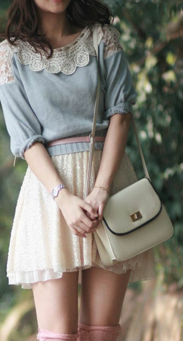 Le-vintage-à-la-mode-tenue-de-jour-fille-jolie-swing