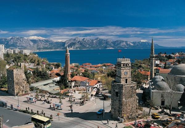 Meteo-Antalia-toujours-du-soleil-la-mer-histoire-minarets