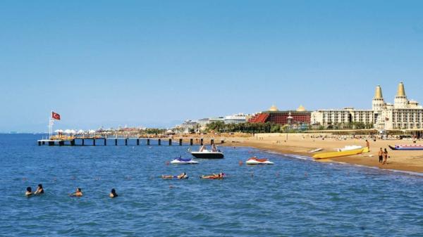 Meteo-Antalia-toujours-du-soleil-la-mer-plage-lara