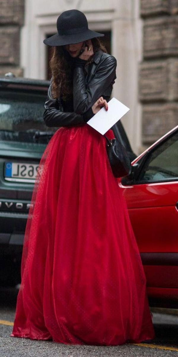 Mode-feminine-comment-s-habiller-femme-jupe-longue-rouge