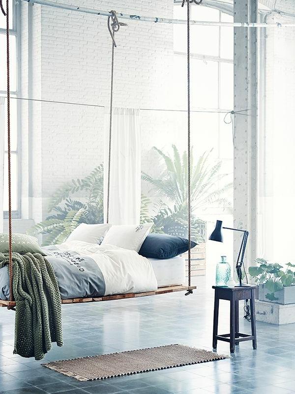 Salle-de-séjour-balancoire-en-lit