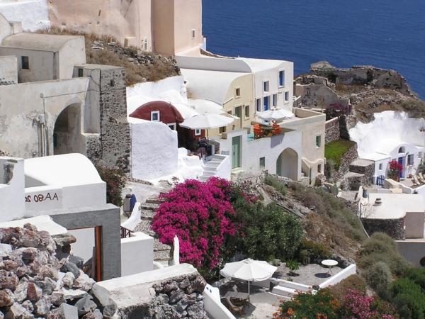 Santorin-un-ile-jolie-destination-touristique