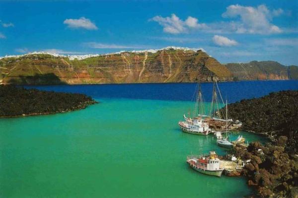 Santorini-Island-Au-bord-de-la-mer-Egée-ile-santorin