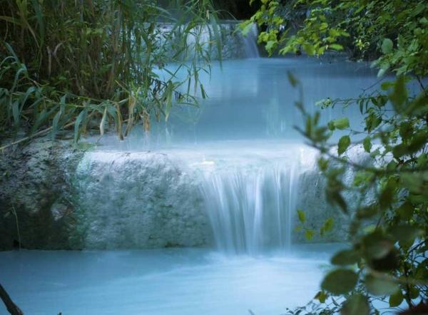 Source-d-eau-chaude-Bagni-San-Filippo-Tuscany