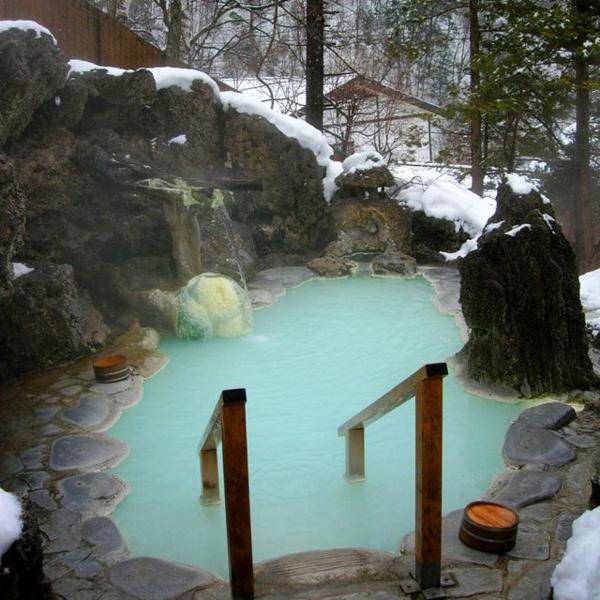 Source-d-eau-chaude-hiver-lac-petit-chaud