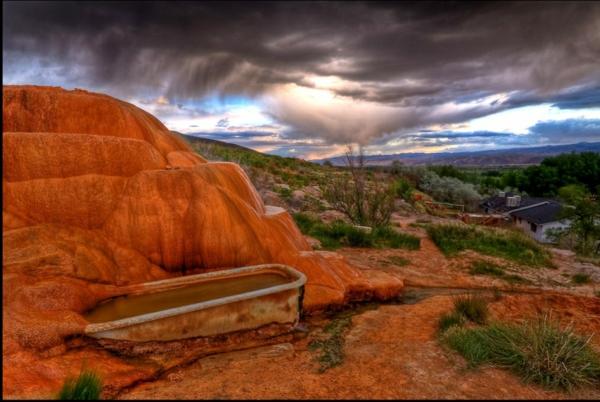 Source-d-eau-chaude-mystique-a-Utah-resized