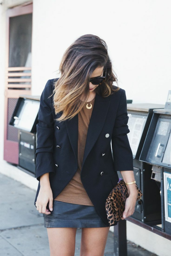 Tendances-tenue-complete-jupe-en-cuir-courte