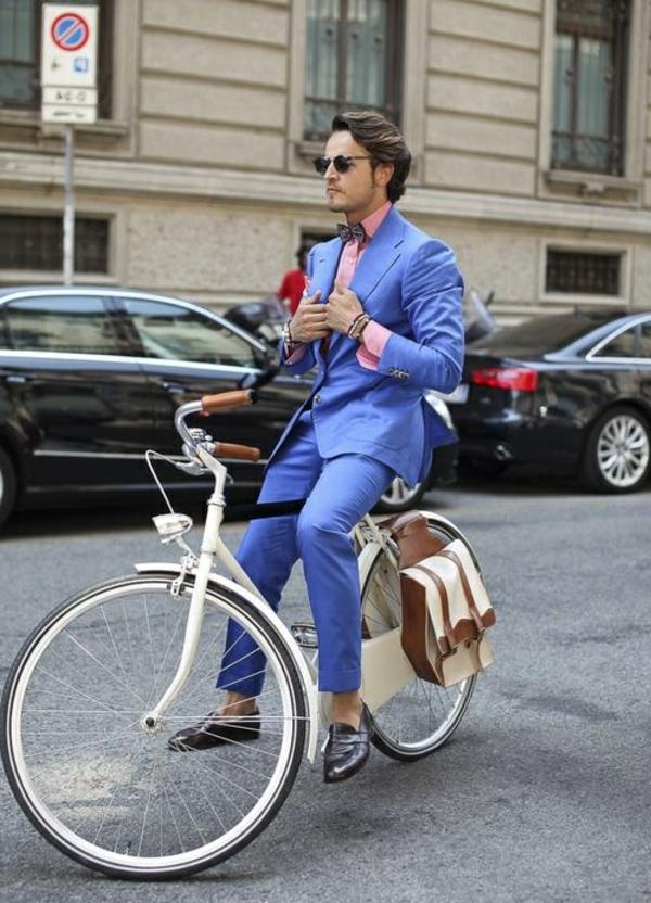 Tenue-de-cycliste-élégante-jolie-coutume-elegante-resized