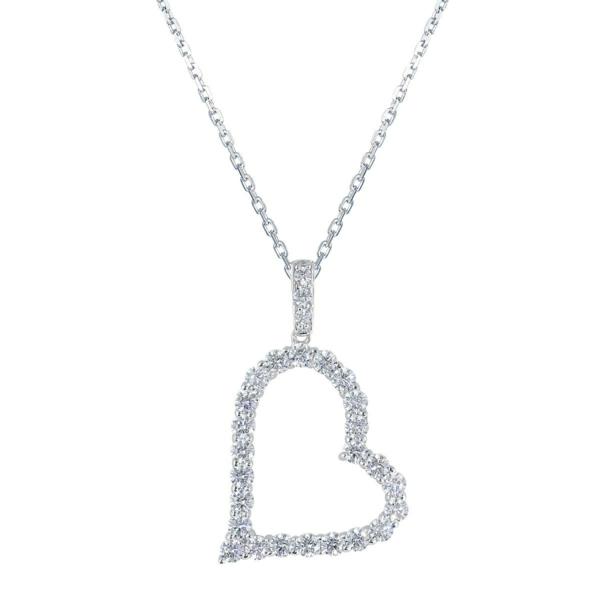 Tenue-de-jour-avec-un-accessoire-Swarovski-mini-cristaux-coeur