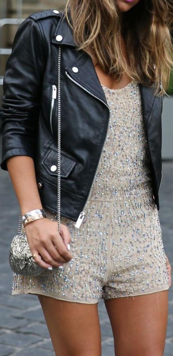 Veste-cuir-vêtement-stylé-tenue-de-soirée