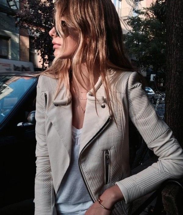 Veste-cuir-vêtement-stylé-veste-blanche