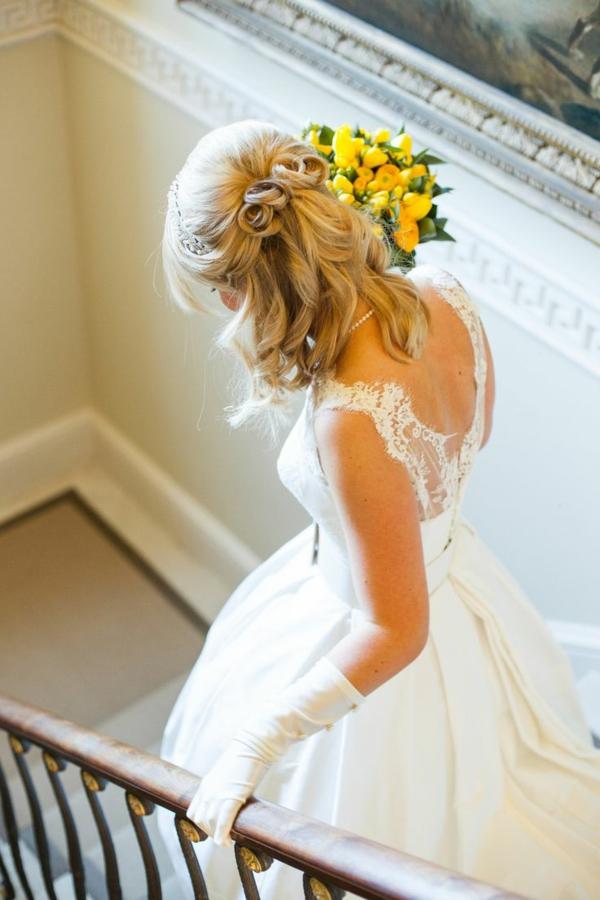 coiffure mariage cheveux mi-longs accessoire-cheveux-mariage-coiffure-mi-longue