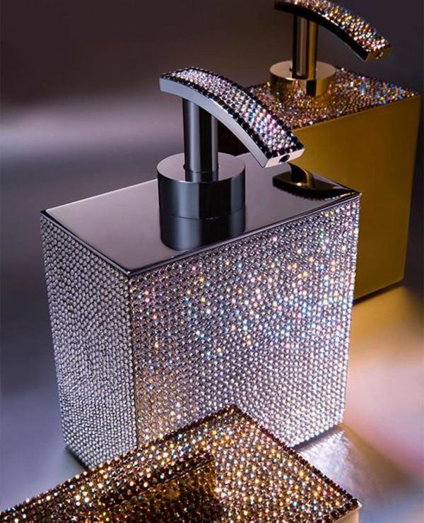 accessoires-de-salle-de-bain-avec-cristaux-Swarovski