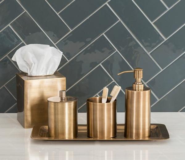 accessoires-de-salle-de-bain-bronzés