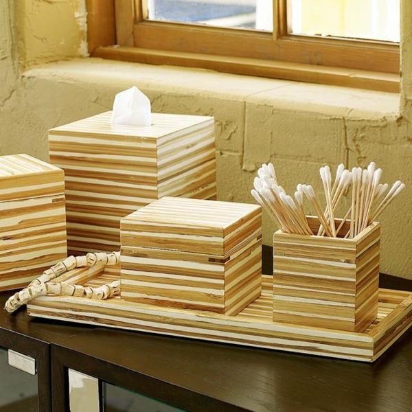 accessoires-de-salle-de-bain-carrés-en-bois