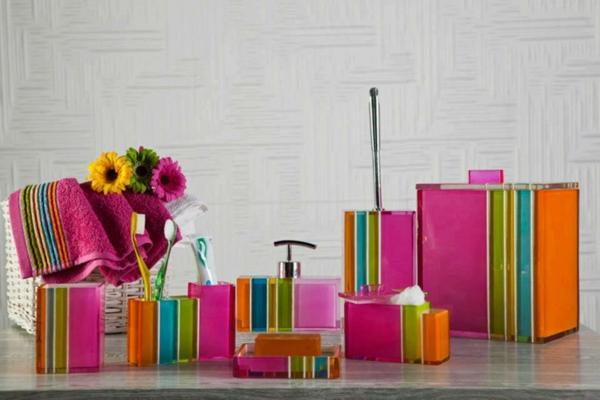 les accessoires de salle de bain pour un bon temps la. Black Bedroom Furniture Sets. Home Design Ideas