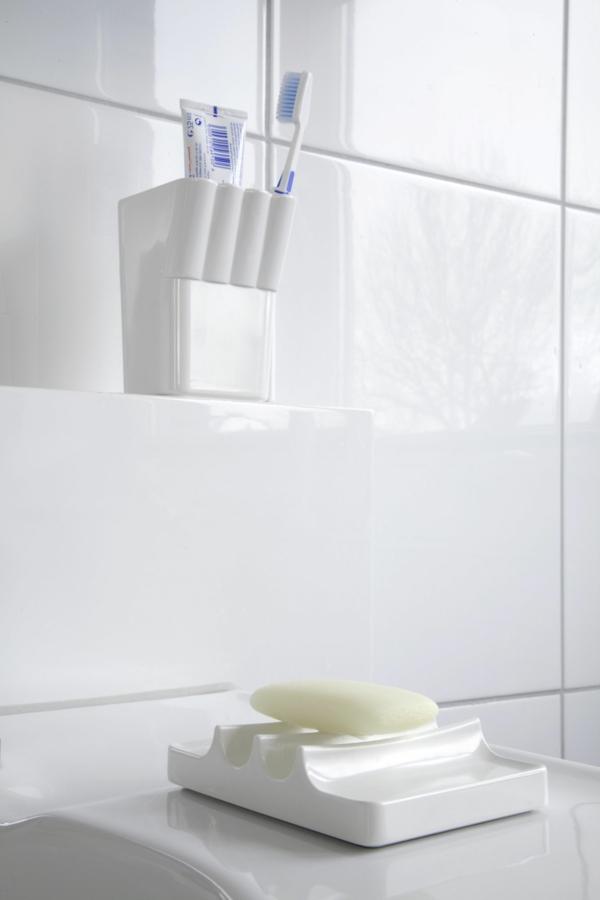 accessoires-de-salle-de-bain-porte-brosse-et-porte-savon
