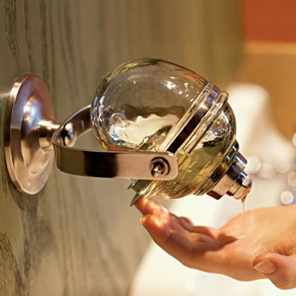 accessoires-de-salle-de-bain-pour-le-savon-liquide