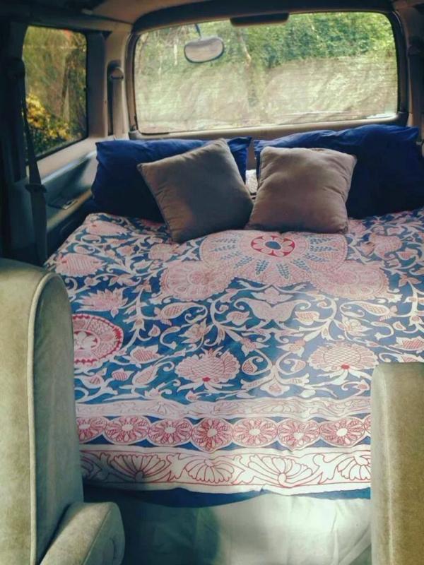 aménagement-camping-car-fourgon-lit