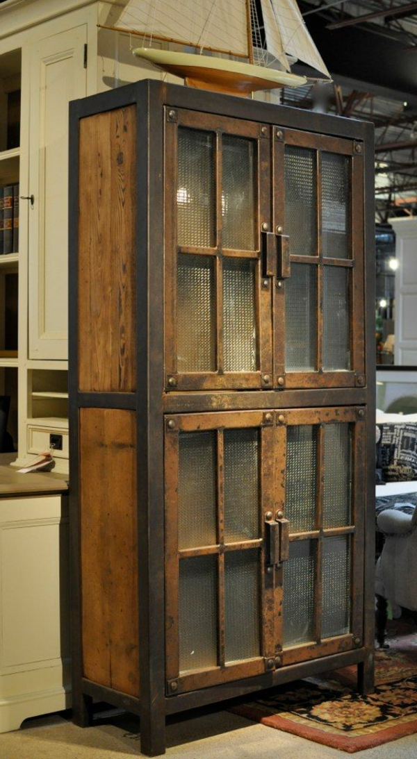 ancienne-armoire-bois-marron