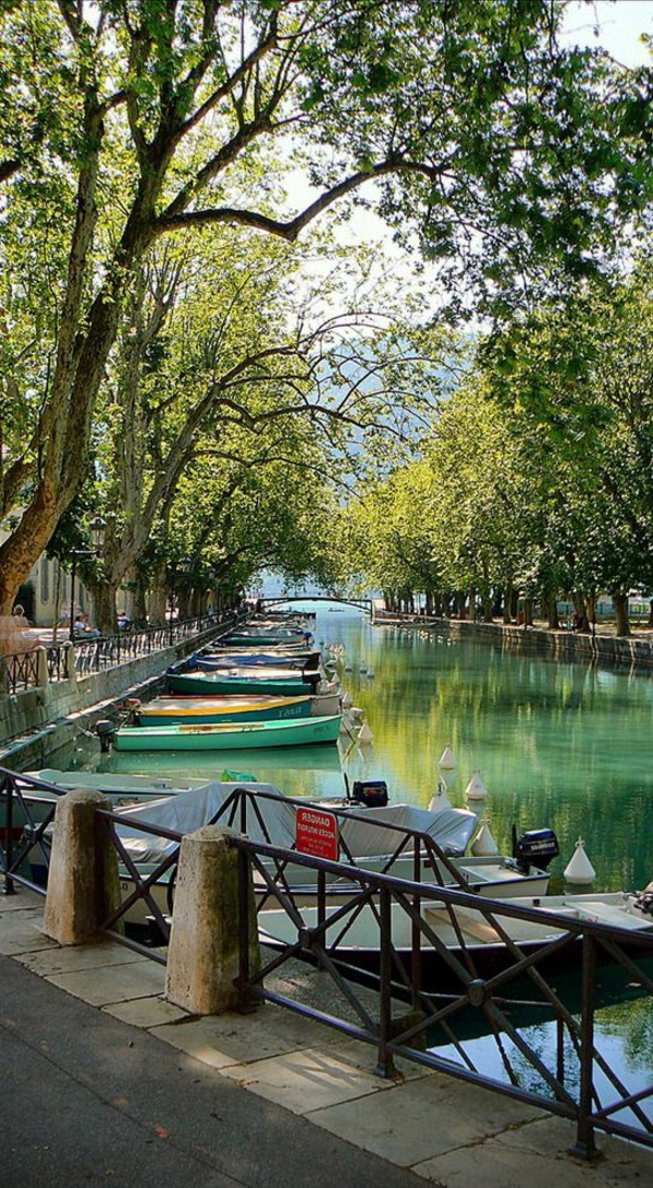 annecy-france-belle-ville-lac