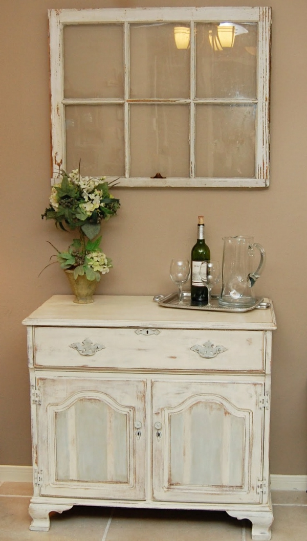 l armoire ancienne pour votre demeure moderne. Black Bedroom Furniture Sets. Home Design Ideas