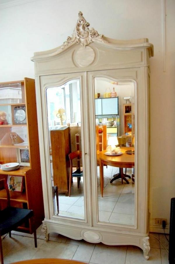 armoire-ancienne-bois-blanc