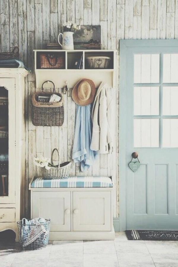 armoire-ancienne-bois-porte-manteau
