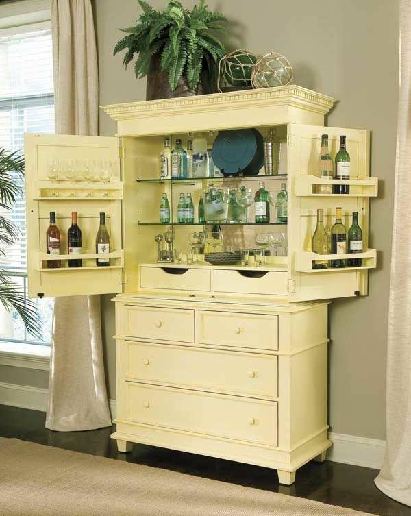 armoire-ancienne-bois-vin