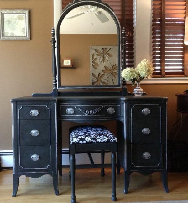 armoire-ancienne-noire