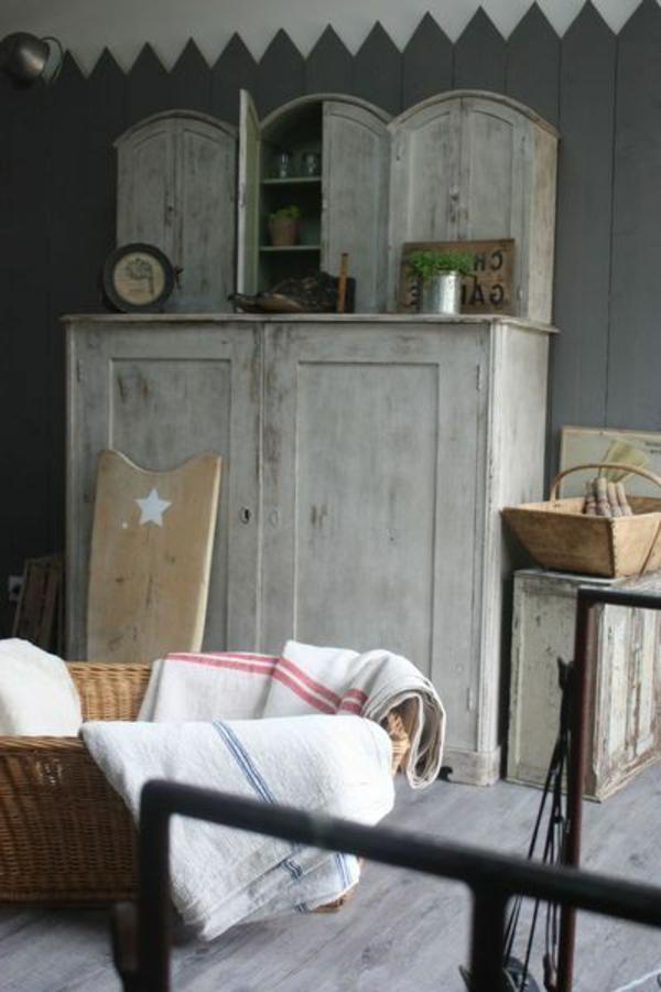 armoire-ancienne-vintage