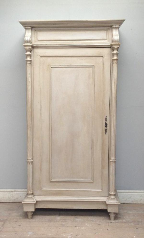 armoire-beige-vintage