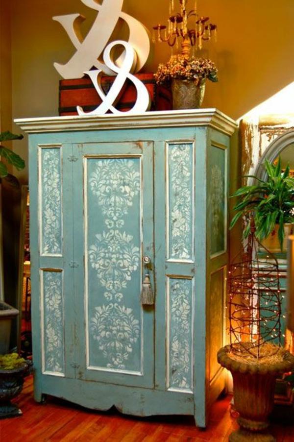 armoire-bleu-vintage