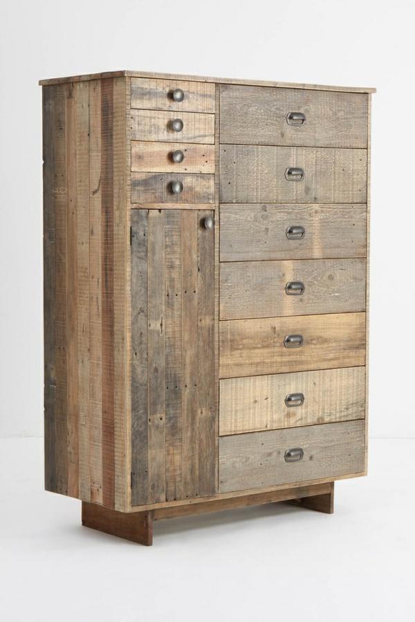 armoire-en-bois-ancienne