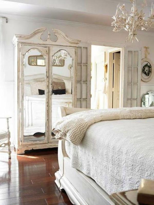 armoire-vintage-blanche