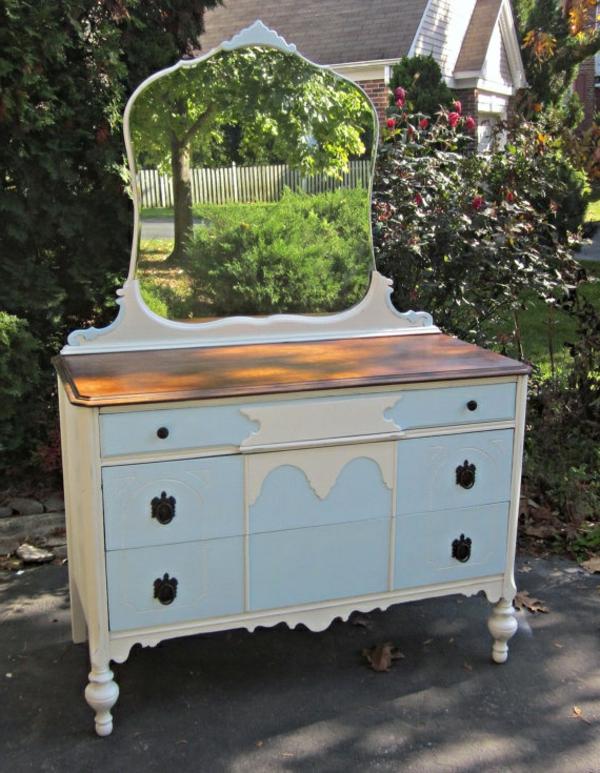 armoire-vintage