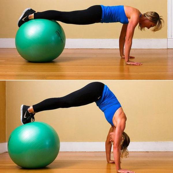 ballon-de-gymnastique-exercice-de-force