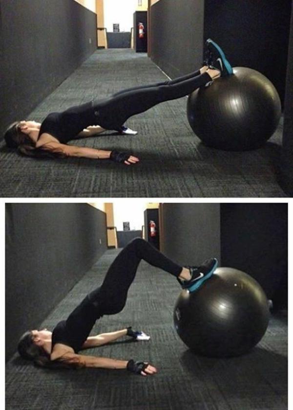 ballon-de-gymnastique-exercices-pour-les-musces-des-fesses