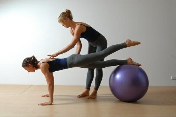 ballon-de-gymnastique-la-meilleure-position
