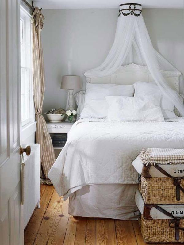 blanc-ciel-de-lit-chambre-coucher