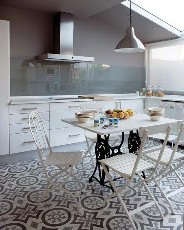 blanc-gris-cuisine-revêtement-de-sol-carrelage