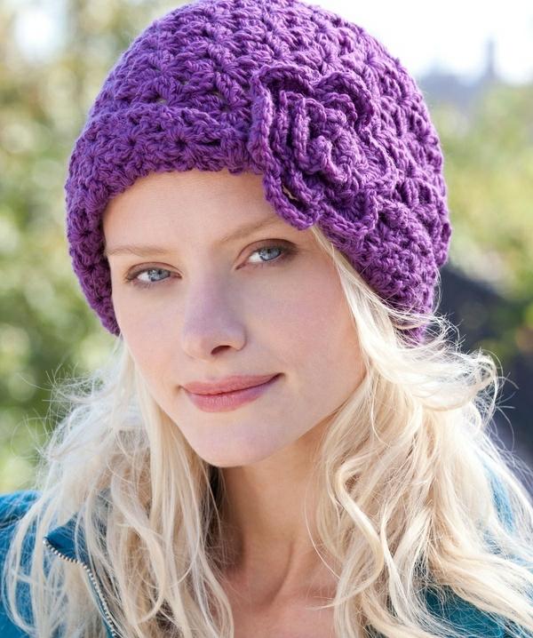 le bonnet en crochet soyez belles et diff rentes. Black Bedroom Furniture Sets. Home Design Ideas