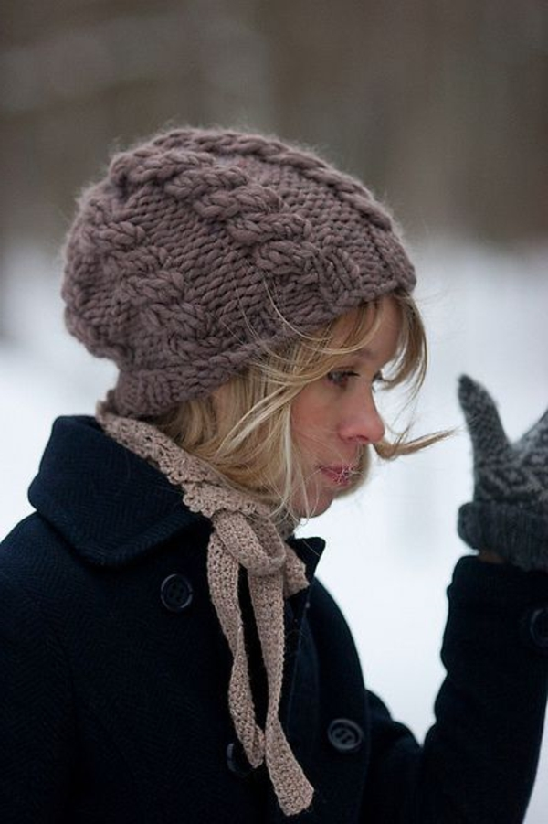 bonnet-en-crochet-bonet-long-en-fil-beige