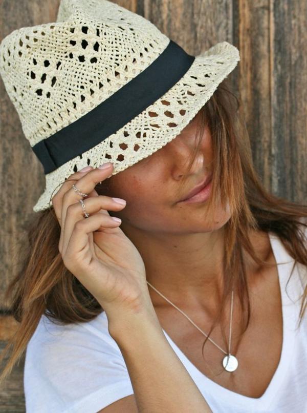 bonnet-en-crochet-joli-chapeau-d'été