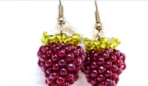 boucle-d-oreille-fantasie-pendante-berries-framboise