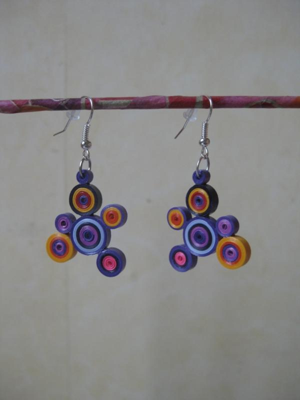boucles-d-oreilles-originales-cercles-colorés-en-papier