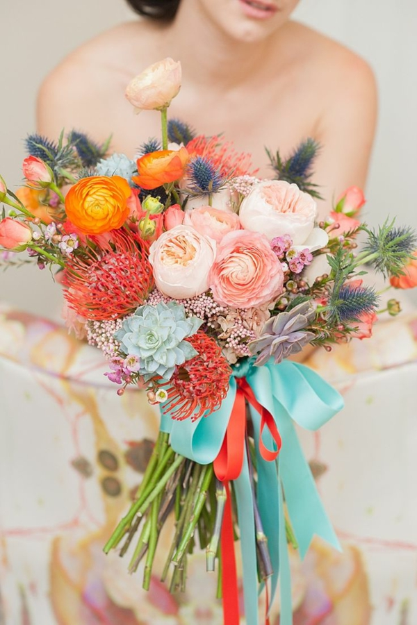 bouquet-fleurie-mariée-robe-bouquet-coloré