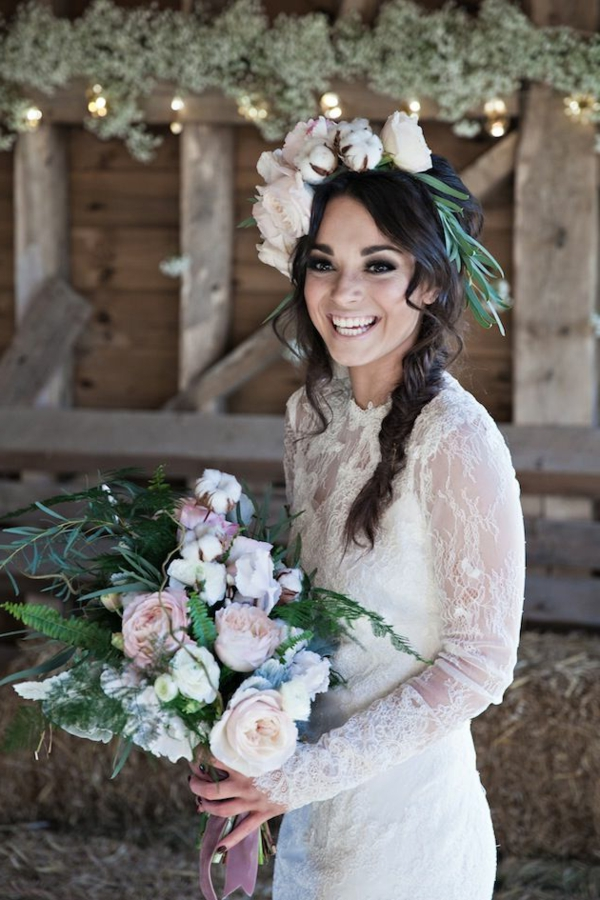 bouquet-fleurie-mariée-robe-couronne-de-fleurs