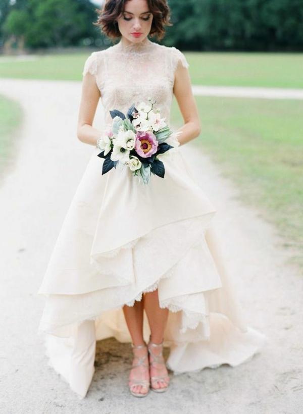 bouquet-fleurie-mariée-robe-de-mariée-courte-devant-longue-arrier